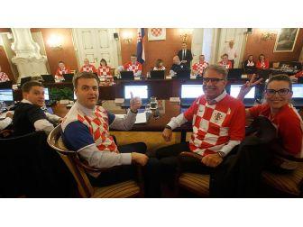 Hırvatistan'da 'Milli Formalı' Hükümet Toplantısı