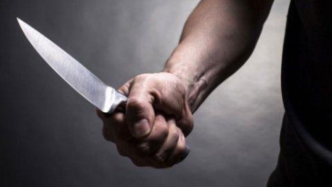 Samsun'da Bir Kadın Tartıştığı Kocasını Bıçakladı