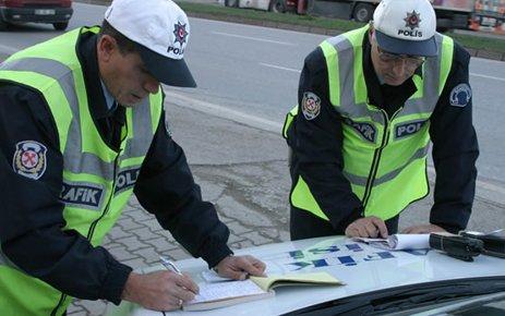Emniyet Genel Müdürlüğünden Sürücülere ''1 Temmuz'' Uyarısı