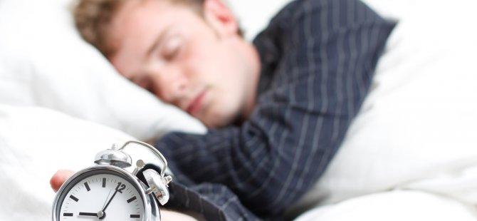 Yabancı Bir Yerde Yatınca Neden Uyuyamadığınızı...