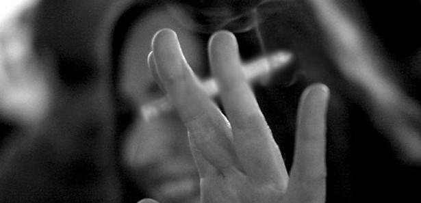 Sigarayı İlk Defa İçen 3 Kişiden Biri Bağımlı Oluyor!