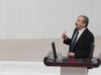 Meclis'te 24 Kasım gerilimi yaşandı!