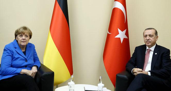 Merkel ve Erdoğan'dan ortak görüşme!