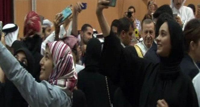 Erdoğan'la aynı karede yer almak için yarıştılar
