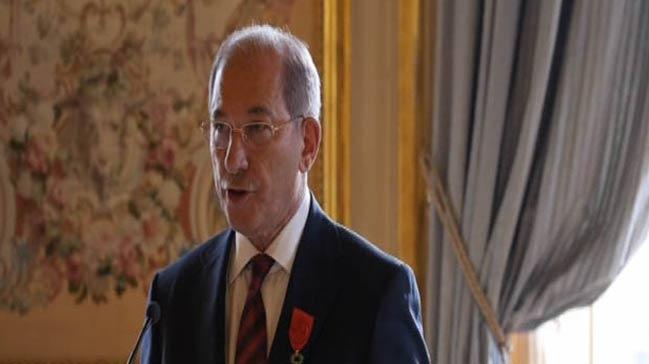 Fransa'dan Büyükelçi Üzümcü'ye onur nişanı
