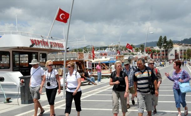 Türkiye'yi ziyaret eden yabancı sayısı azaldı