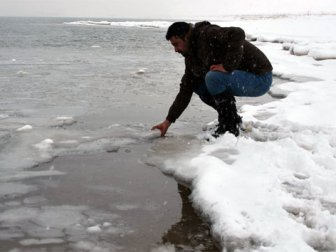 Türkiye'nin en büyük Gölü dondu!