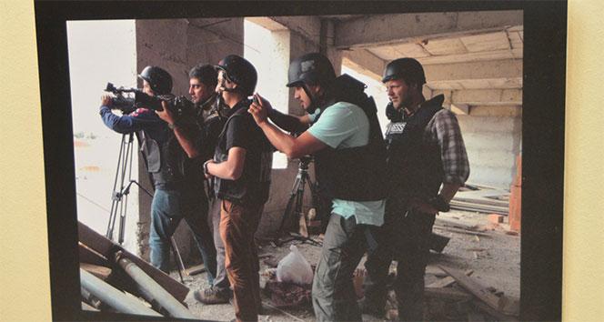 Taksim'de çalışan gazetecilerin fotoğrafları sergilendi