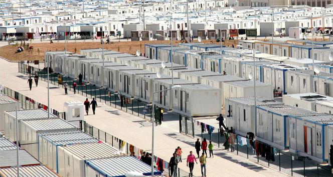 Suriyelilerin kaldığı kamplarda kaç bin kişi var?