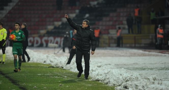 Hamzaoğlu Bursaspor'u şaha kaldırdı