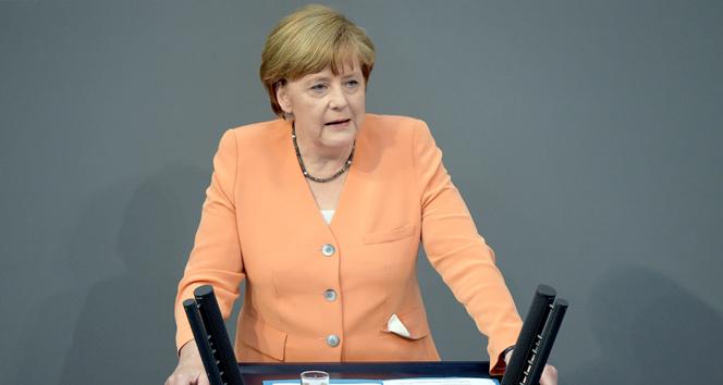 Merkel'den 'uçuşa yasak bölge'ye destek