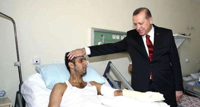 Erdoğan, GATA'daki yaralıları ziyaret etti