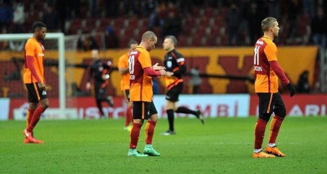 Galatasaray moral peşinde