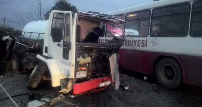 İzmir'de Otobüs ile tanker çarpıştı: 20 yaralı