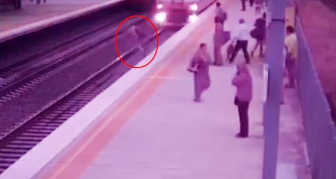 Metroda ölümle burun buruna