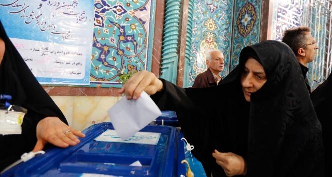 İran'da halk sandık başında