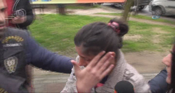 Bebeğini internetten satan anne-baba yakalandı