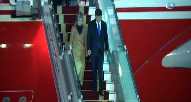 Davutoğlu İran'da resmi törenle karşılandı