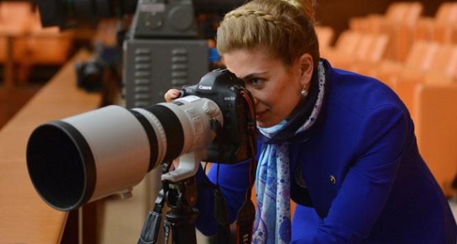 CHP'li vekil foto muhabiri oldu