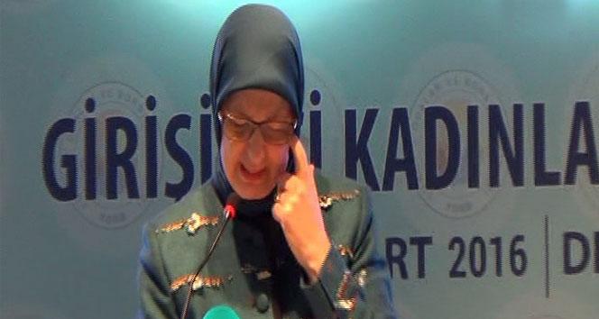 Bakan Ramazanoğlu, gözyaşlarına boğuldu