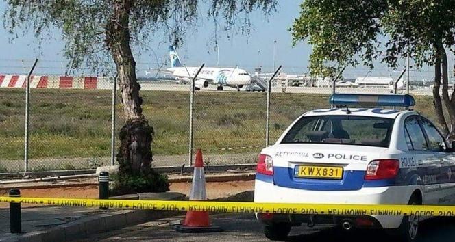 Güney Kıbrıs'tan uçak açıklaması
