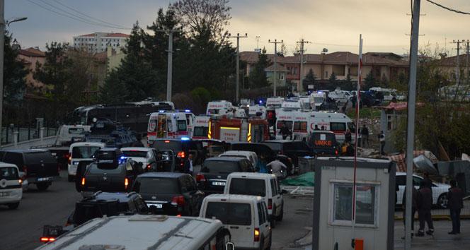 Polis servisine bombalı saldırı: 6 şehit, 23 yaralı