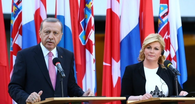 Cumhurbaşkanı Recep Tayyip Erdoğan'dan flaş laiklik açıklaması!