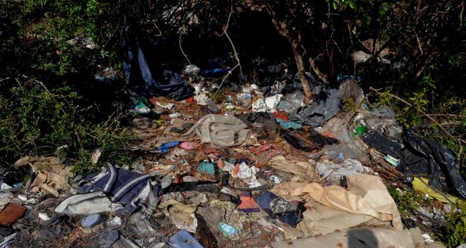 Göçmenlerden kalan çöpler!
