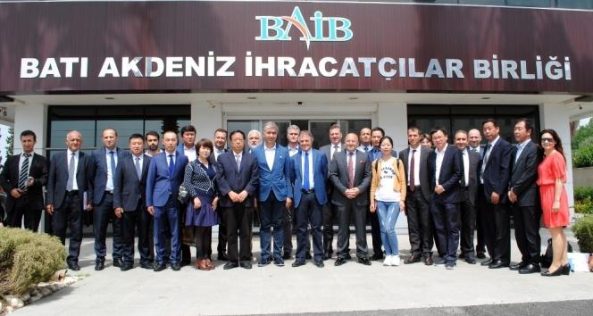 Çinliler 5 milyar dolarlık ihracat için Türkiye'yi istiyor