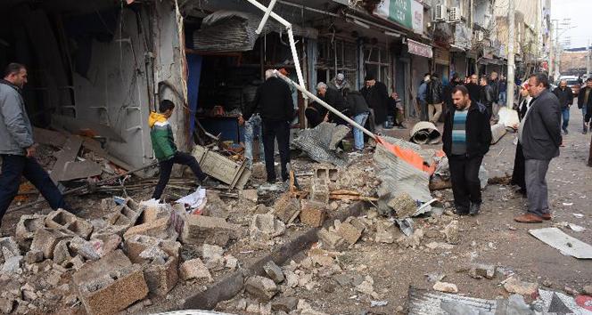Teröristler Nusaybin'i yerle bir etti