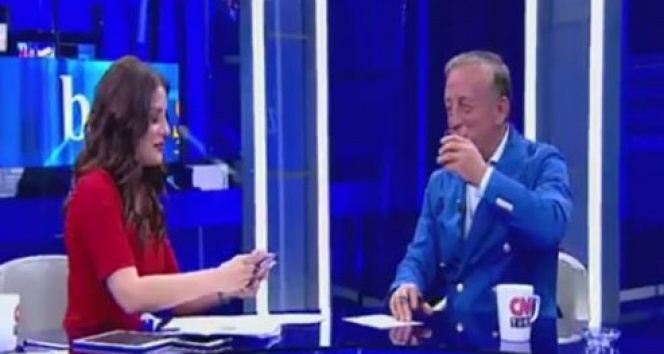 Ekin Olcayto, CNN Türk'ten kovuldu