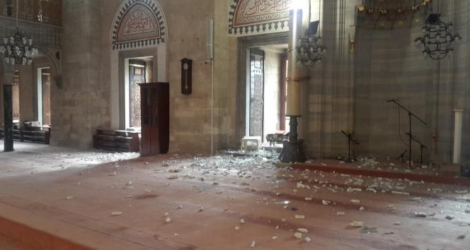 Saldırı sonrası Şehzade Camii bu hale geldi
