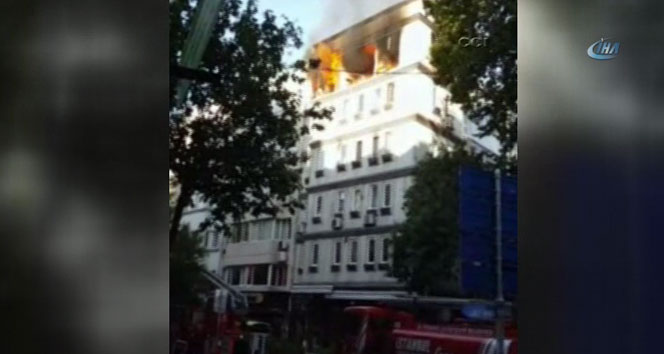 Beyoğlu'nda 5 katlı binada patlama