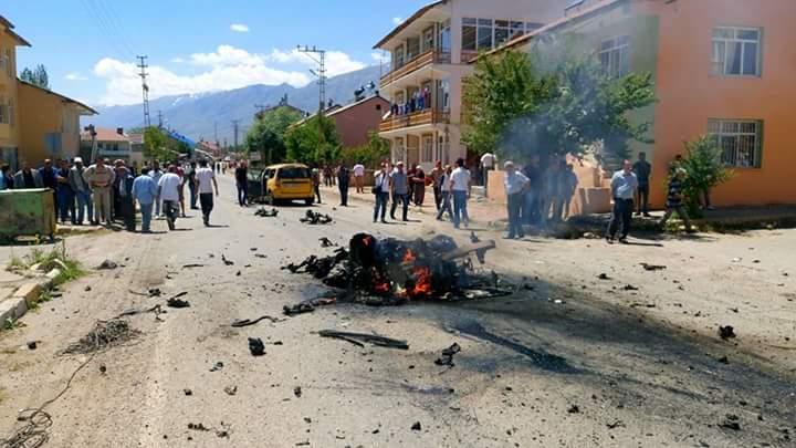 Lojman binasına bomba yüklü araçla saldırı: 9 yaralı