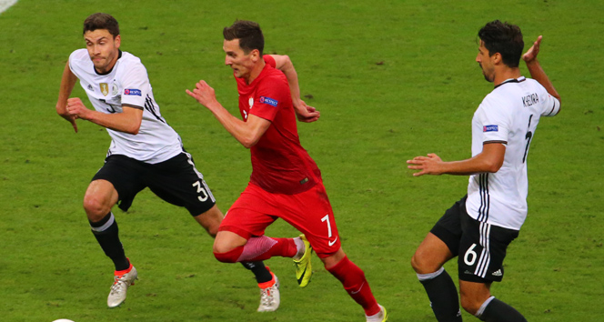 Almanya ve Polonya golsüz kaldı