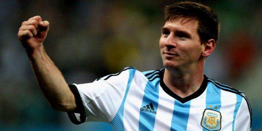 Lionel Messi, milii takımı bıraktı