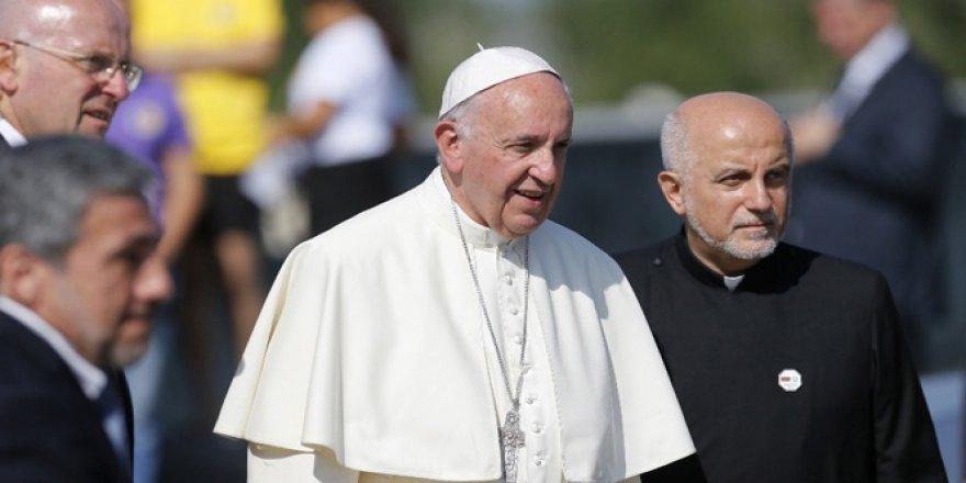 Papa'nın 'soykırım' ifadelerine sert tepki