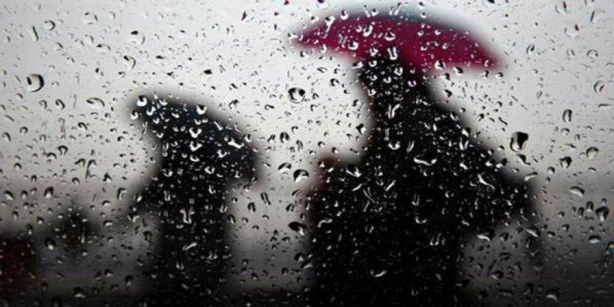 Rize'de şiddetli yağış sel ve su baskınlarına neden oldu!