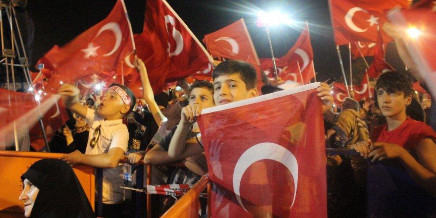 Erdoğan'ın sesi Sakaryalıları coşturdu