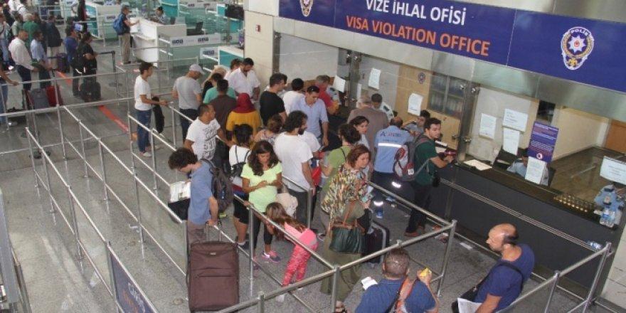 Türkiye'ye gelen yabancı turist yüzde 40 azaldı