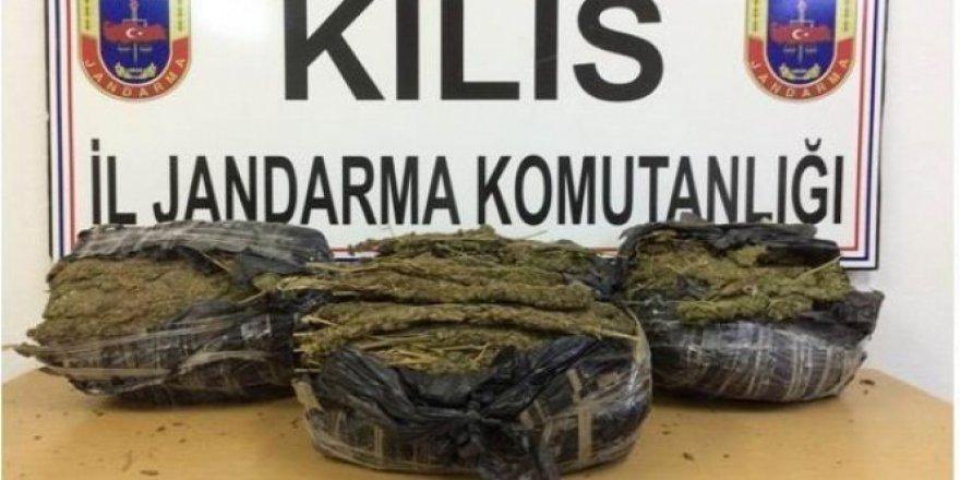 Kilis'te 8 kilo 400 gram kubar esrar ele geçirildi