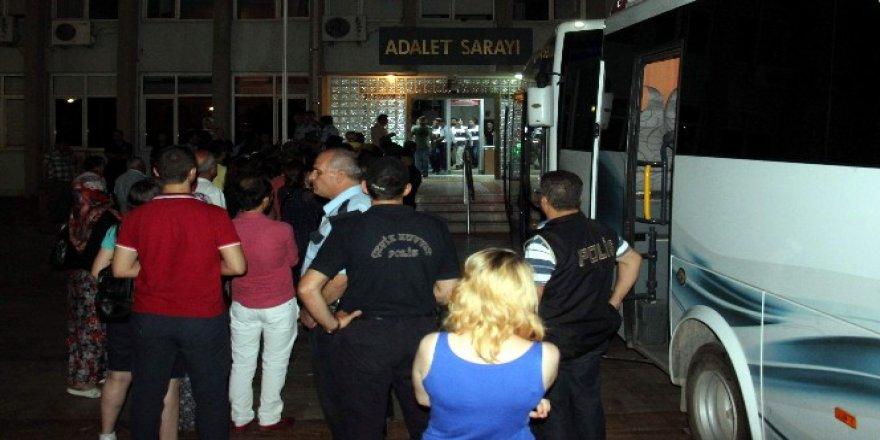 Aydın'da 250 kişi tutuklandı, 790 personel ise..