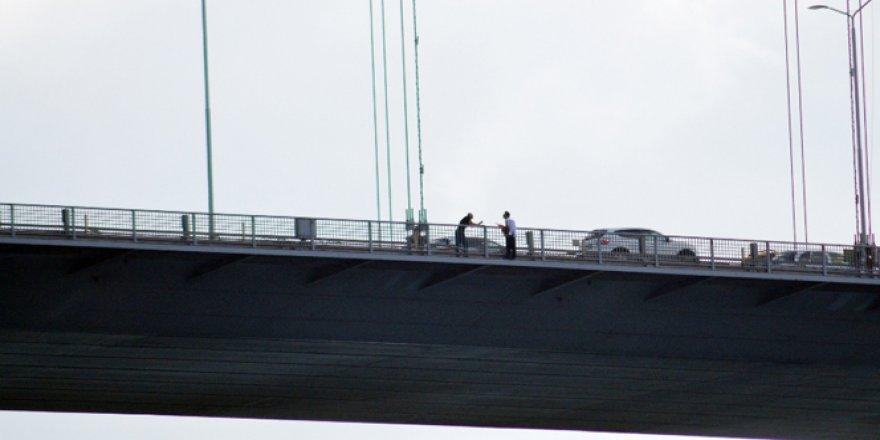 15 Temmuz Şehitler köprüsünde intihar şoku!