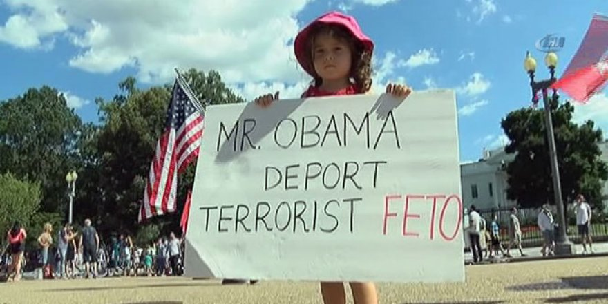 Beyaz Saray önünde FETÖ protestosu