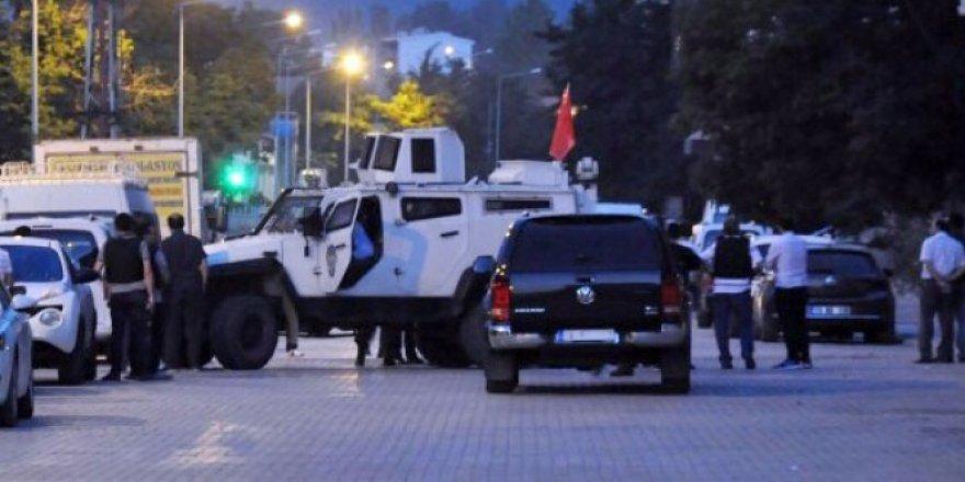 Bitlis'te 34 plakalı bomba yüklü araç yakalandı!