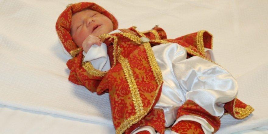 Sultan İkinci Abdülhamid Han'ın 5'inci kuşak torunu dünyaya geldi