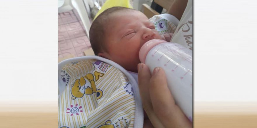 Yeni doğmuş bebeği sokağa attılar