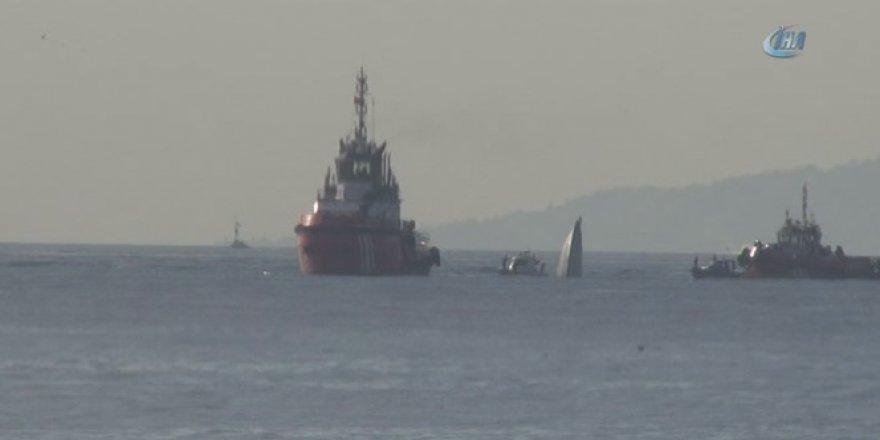 İstanbul Boğazı'nda Sahil Güvenlik botu ile gemi çarpıştı