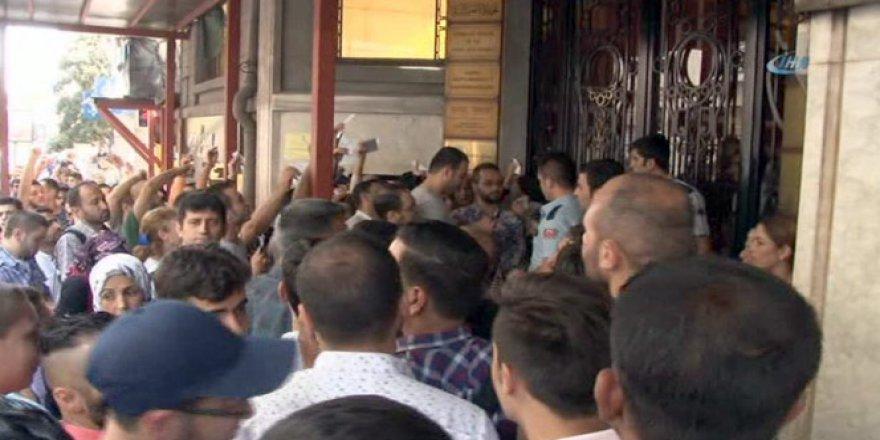 Suriyelilerin günlerdir süren konsolosluk çilesi