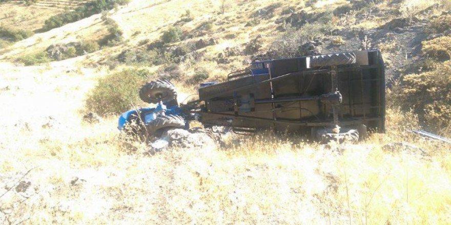 Ulukışla'da Çapa Motoru Devrildi: 1 Ölü 3 Yaralı